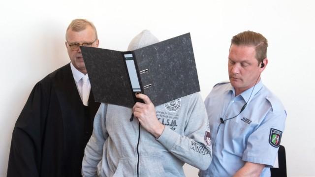Missbrauchsfall in Lügde - Angeklagter Andreas V. im Gerichtssaal