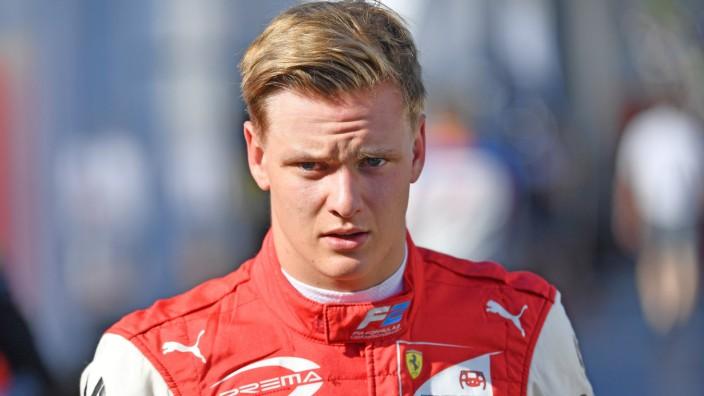 Mick SCHUMACHER Prema Racing Formel 2 Aktion Einzelbild angeschnittenes Einzelmotiv Portraet Port