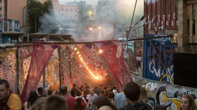 Sommerfest im Bahnwärter Thiel, wo die SZ eine Musikbühne bespielt