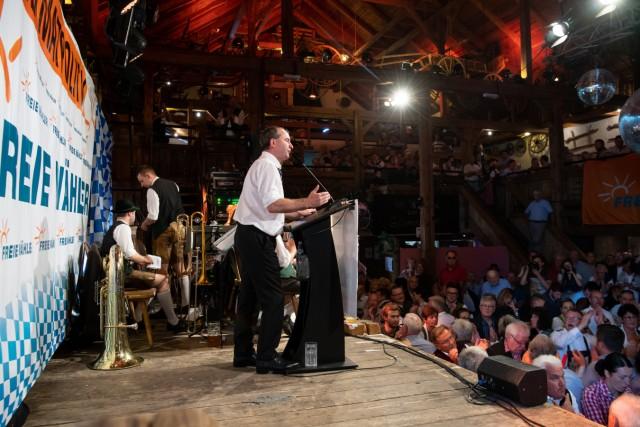 Politischer Frühschoppen auf Volksfest Gillamoos - FW
