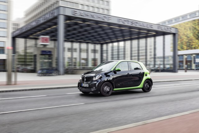World premiere for the fourth generation smart electric drive  World premiere for the fourth generation smart electric drive; Smart electric forfour