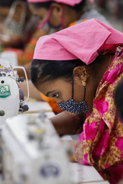 January 7 2018 Dhaka Bangladesh Bangladeshi female workers work at a garments factory in Gazip