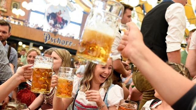 Party im Festzelt: So bekommen Sie auf dem Oktoberfest in München einen Tisch.