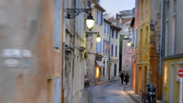 Small City Street Arles France PUBLICATIONxINxGERxSUIxAUTxONLY Copyright HelenexCyr 1853665
