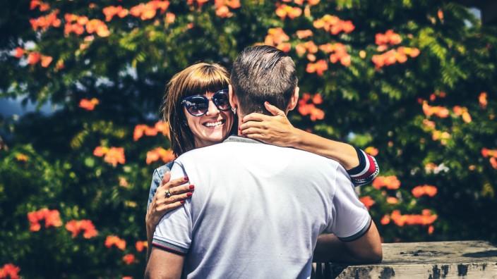 Dating: Nach den Freundschaften möchte sich Facebook nun auch noch um Liebe und Sex kümmern.