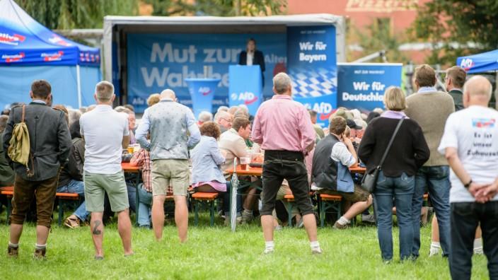 Politischer Frühschoppen auf Volksfest Gillamoos - AfD