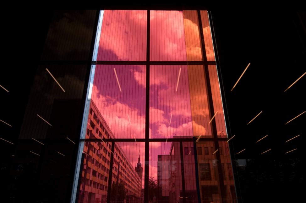 Neues Bauhaus Museum Dessau - Zwischen Transparenz und Spiegeln