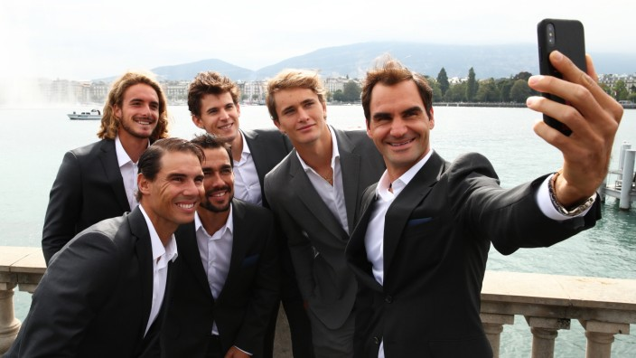 Laver Cup 2019: Roger Federer macht ein Selfie mit seinen Kollegen