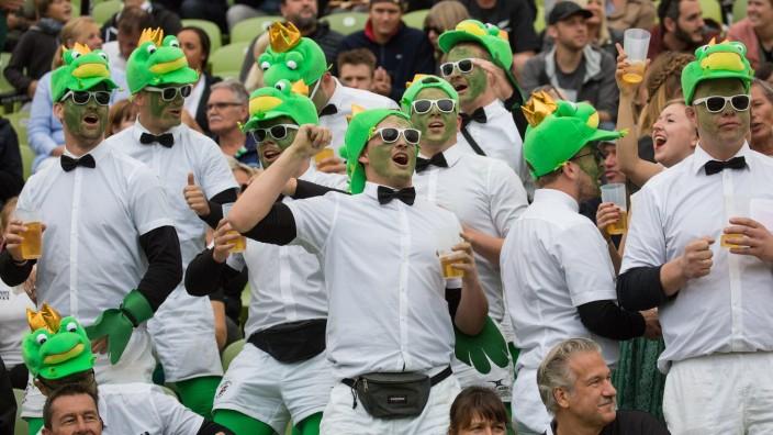 Oktoberfest Sevens Oktoberfest Sevens Rugby-Turnier in Muenchen am 21. und 22. September 2019. Partystimmung unter den Z