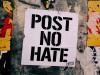 Protestplakat gegen Hass im Internet