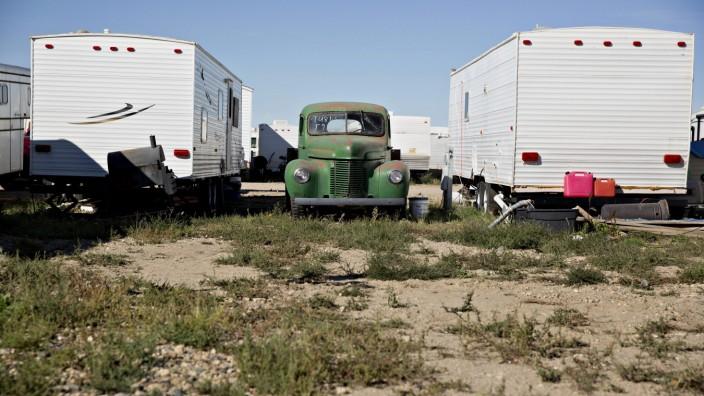 Man-Camp Exodus Spurs Real-Estate Crisis Across U.S. Shale Towns