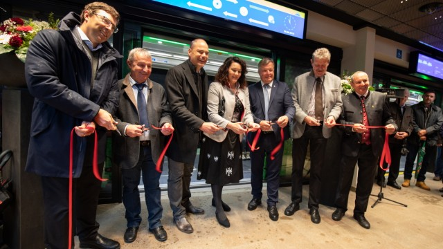Autofreier Urlaubsort Serfaus: Viele freudige Gesichter gab es bei der Wiedereröffnung der Dorfbahn Anfang September.