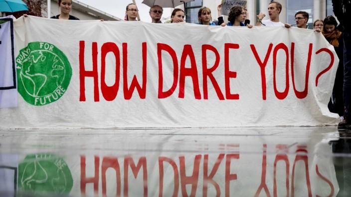 Klimawandel: Klimaprotest vor Bundeskanzleramt