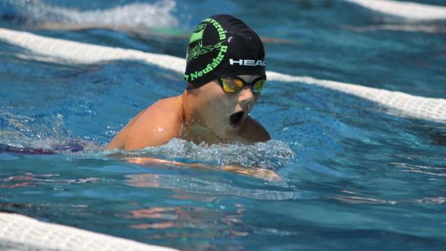 Schwimmer Elias Kauerauf