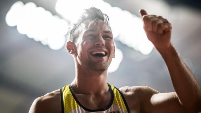 Leichtathletik-WM 2019: Niklas Kaul jubelt nach dem Gewinn der Goldmedaille