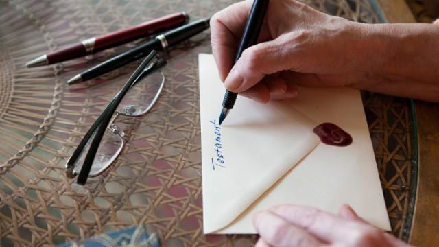 Stiften oder Fördern: Mit dem Erbe Gutes tun