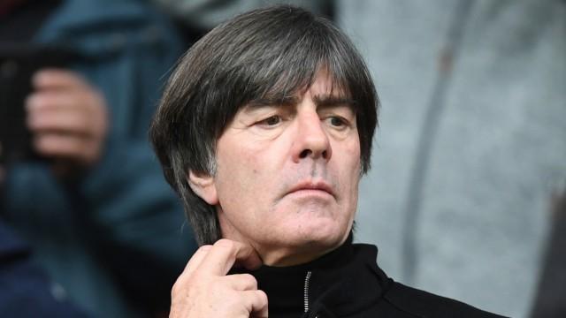 Bundestrainer Joachim Löw beim Spiel SC Freiburg gegen Borussia Dortmund