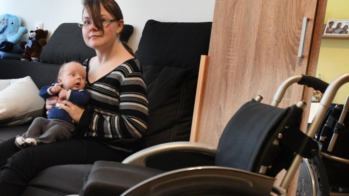 """Leben mit Behinderung: """"Er weiß, dass ich seine Mutter bin"""", sagt Ramona Böhner. Nach sechs Wochen in einer Pflegefamilie lebt ihr kleiner Sohn wieder bei ihr."""