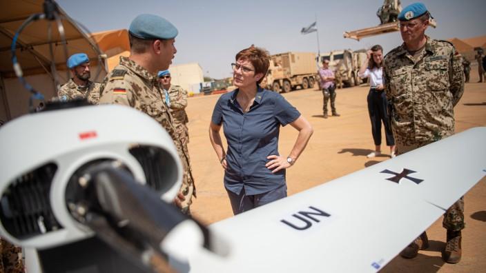 Bundeswehr-Einsatz in Mali: Kramp-Karrenbauer beim Besuch in Gao