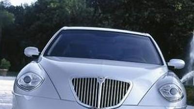 Lancia Thesis: Lancia Thesis: Keine andere italienische Limousine schaut so apart aus ihren unverwechselbar geformten Augen.