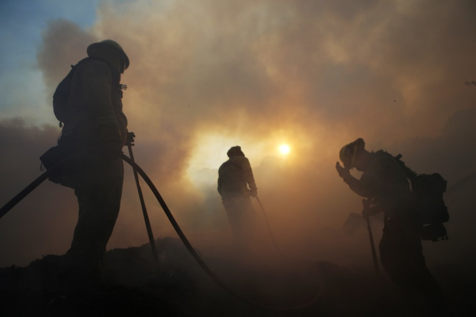 Saddleridge Fire Scorches 7,500 Acres In LA County, Thousands Evacuated