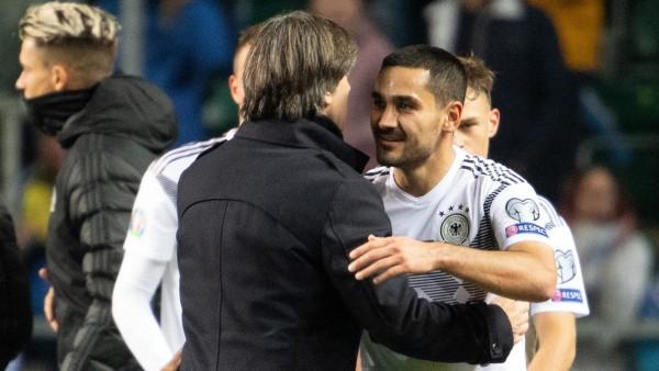 DFB: Jogi Löw und Ilkay Gündogan bei der EM-Quali 2019 gegen Estland