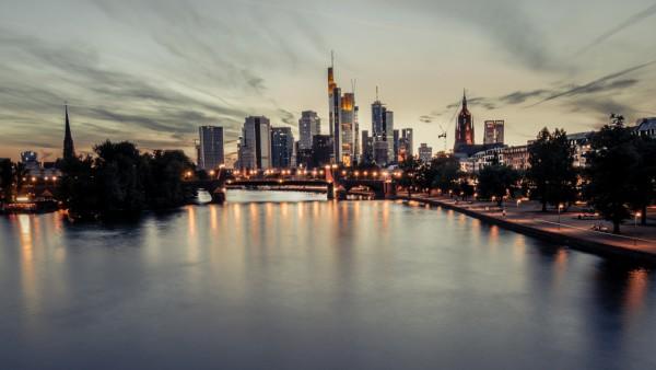 Frankfurt Skyline Reisequiz Quiz Brücke Main
