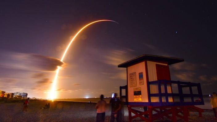 Raumfahrt: Ein Raketenstart übt eine Faszination auf viele Menschen aus.
