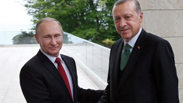 Wladimir Putin empfängt Tayyip Erdogan 2017 in Sotschi