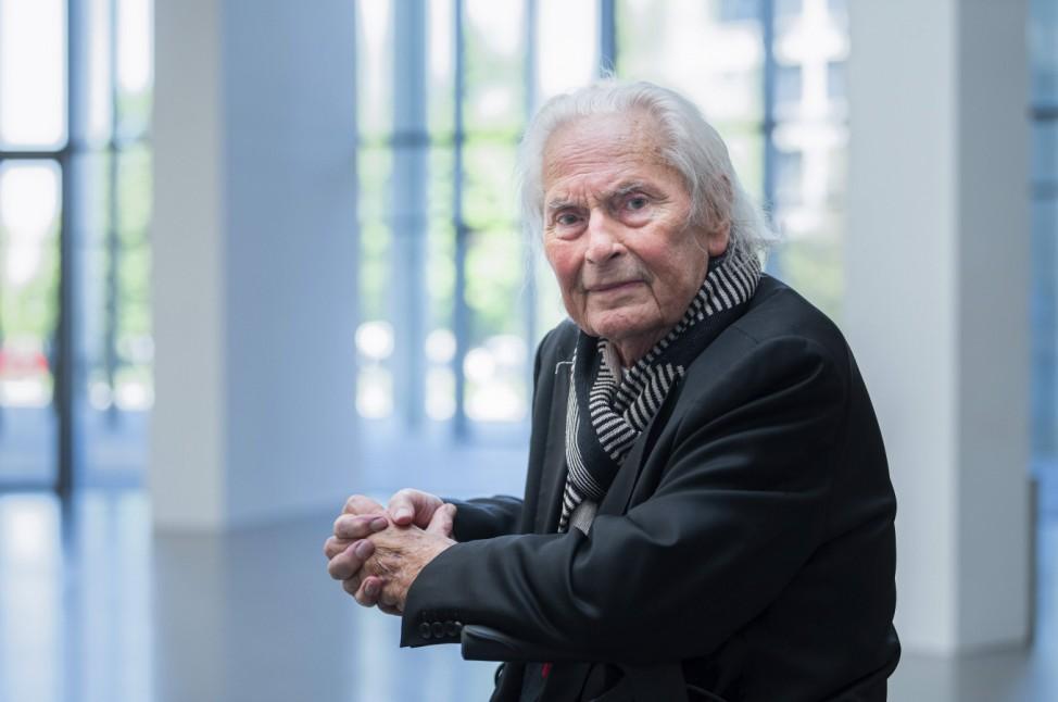 Portraet des Lichtgestalters und Kuenstlers Ingo Maurer am Rande einer Pressekonferenz Pinakothek