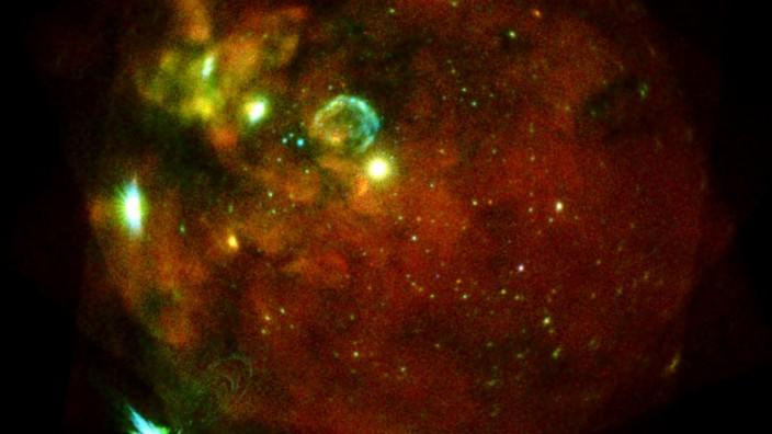 Erste Bilder von eRosita-Röntgenteleskop