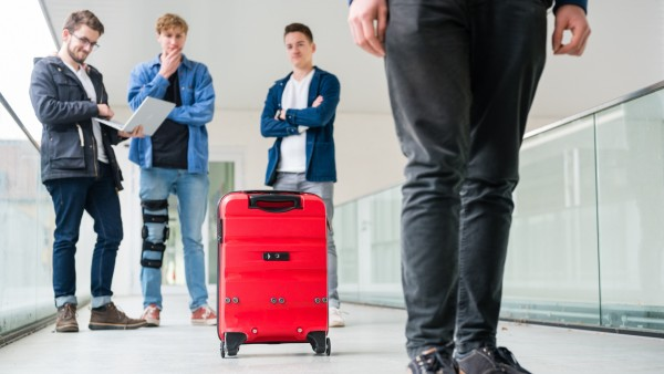 Kluger Koffer ; Smarter Koffer Smartcase Gepäck Digitalisierung