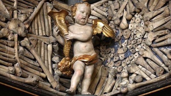 Knochenkammer Goldene Kammer Köln St. Ursula Beinhaus Städtereise
