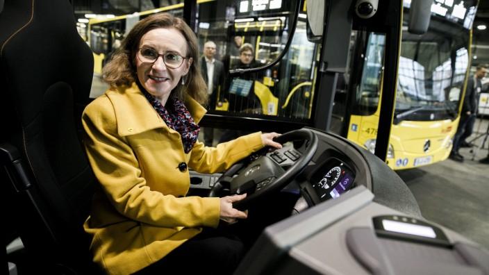 BVG stellt neue Busse vor