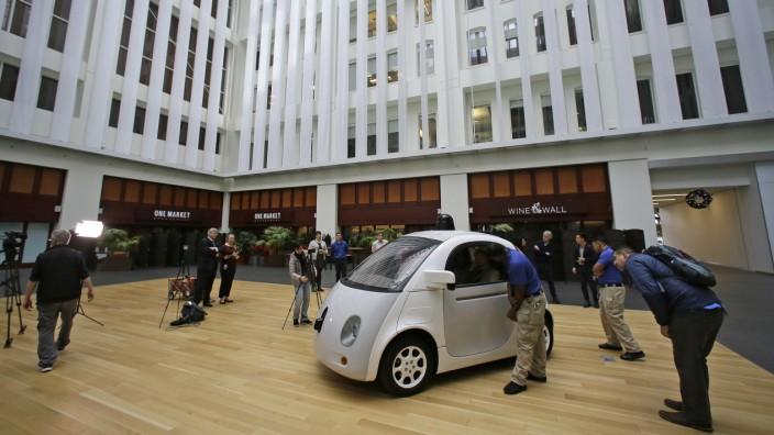 Alphabet: Die Roboterwagen-Firma Waymo, die zu Alphabet gehört, verschlingt nach wie vor viel Geld und setzt wenig Erlöse.
