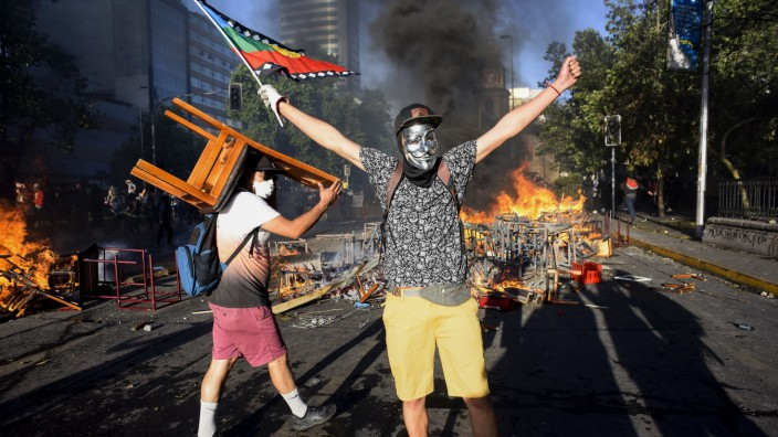 **BESTPIX** Cabinet Reshuffle in Chile After Massive Protests Against Piñera