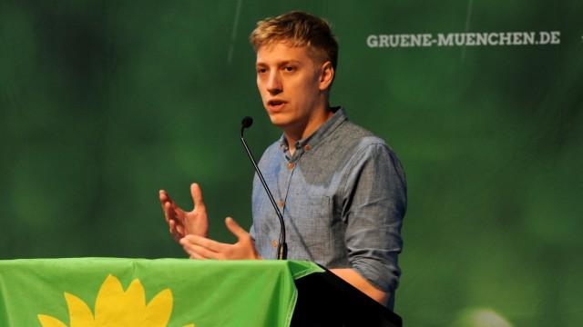 Dominik Krause bei Stadtparteitag der Grünen in München, 2019