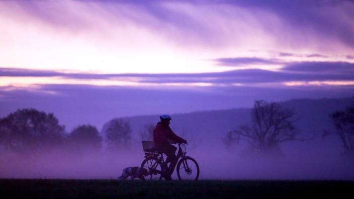 Radtour vor Sonnenaufgang