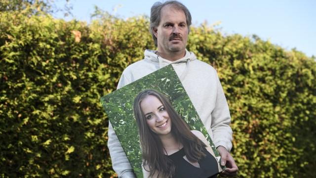 Ronald Stahl hat seine Tochter Theresa bei einem Unfall verloren.
