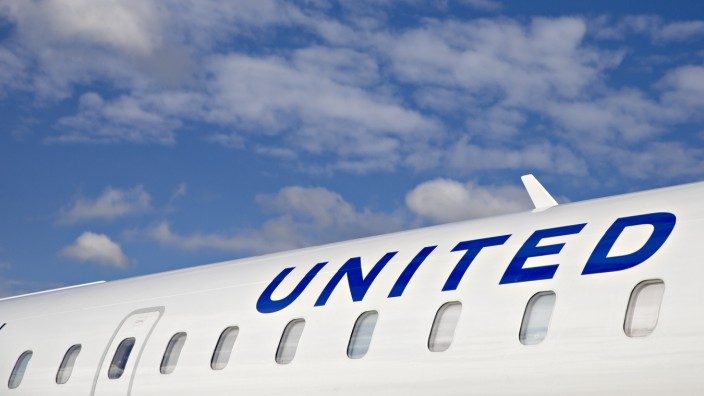 United Targets Big Spenders With First Class To Small Cities