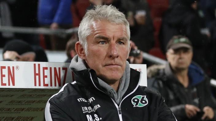 01.11.2019, HDI-Arena, Hannover, Ligaspiel, 2. Bundesliga, Hannover 96 vs SV Sandhausen, im Bild Mirko Slomka (Trainer,