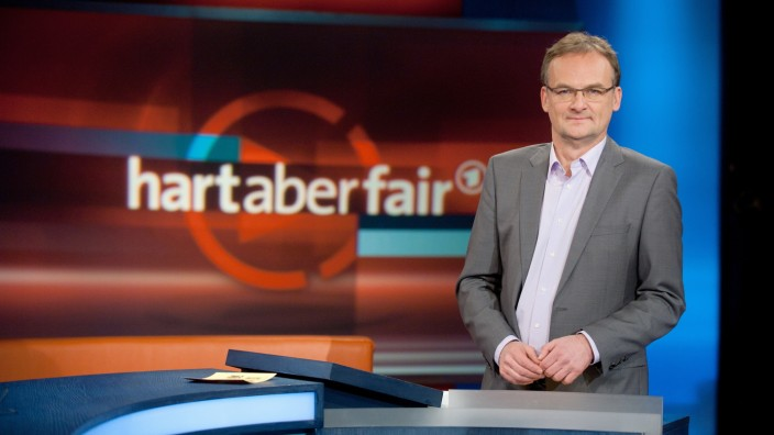 """Hart aber fair"" mit Moderator Frank Plasberg"