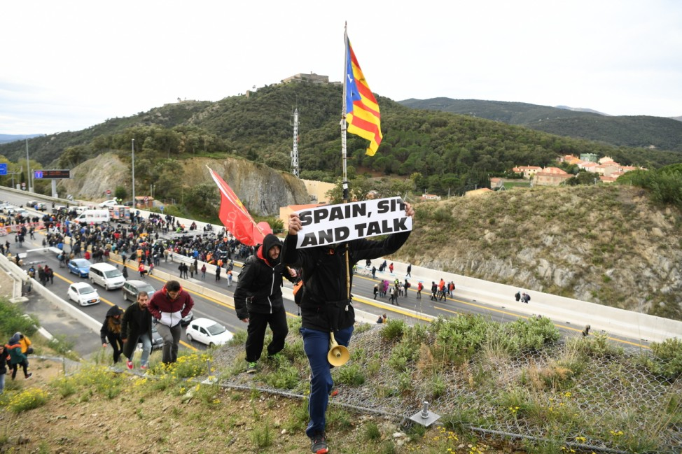 Separatist Catalonian Protesters Block The Border Between France And Spain
