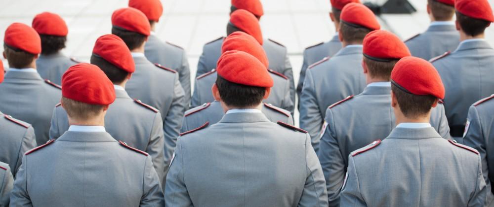 Bundeswehrsoldaten beim Gelöbnis