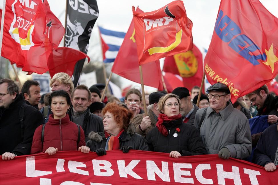 Demonstration zu Gedenken an Liebknecht und Luxemburg