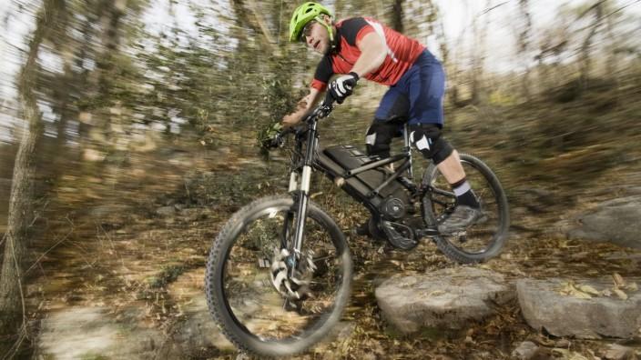 E-Mountainbiker Berg