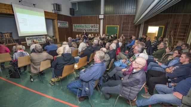Gewerbegebiet Schorn: Eine Bürgerinitiative, die sich in Wangen getroffen hat, will dieses Vorhaben verhindern.
