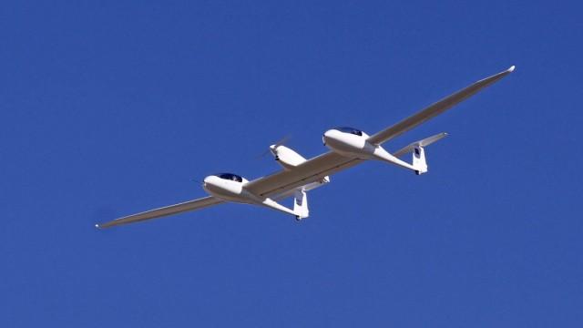 Weltpremiere Brennstoffzellen Flugzeug HY4 hebt in Stuttgart ab STUTTGART Sauberes und leises Flie