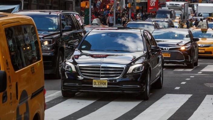 USA United States of America New York New York 15 03 2018 Deutsche Automobile auf den Straßen
