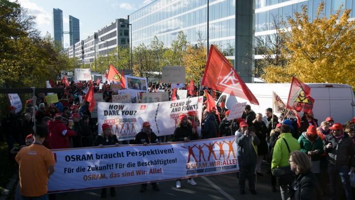 Demo Osram, Osram-Beschäftigte protestieren vor Münchner Konzernzentrale